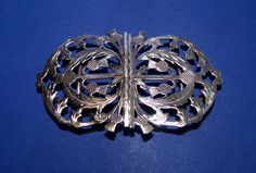 Edwardian Silver 'Thistle' Nurse's Buckle, Made by Able & Charwell, Birmingham 1902 - Daniel Bexfield Antiques - Fine Antique Silver & Objects of Vertu Vintage Jewellery, Nurses, Birmingham, Belt Buckles, Antique Silver, Belts, Brooch, Antiques, Jewelry