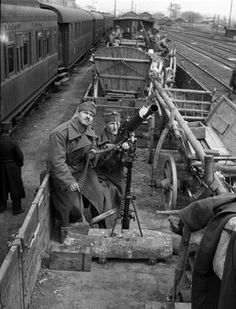 Hungarian soldiers with anti-aircraft machinegun 1941 Pécs ,railway station ,Hungary Trains, Defence Force, Picture Story, Axis Powers, Budapest Hungary, Panzer, Armed Forces, Warfare, World War Ii