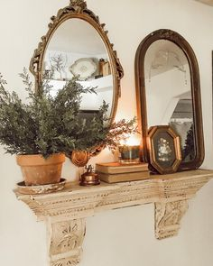 fall decor home Antique Decor, Vintage Decor, Vintage Mirrors, Vintage Walls, Welcome To My House, Bedroom Decor, Wall Decor, French Country Living Room, Decoration