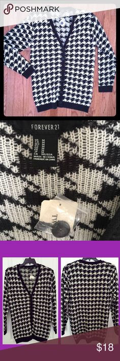 NWT Black/White Houndstooth Cardigan Sweater. Med. Brand New w/Tag Black/White Houndstooth Cardigan Sweater. Size Medium. This is going to be the Perfect addition to any fall wardrobe! Forever 21 Sweaters Cardigans