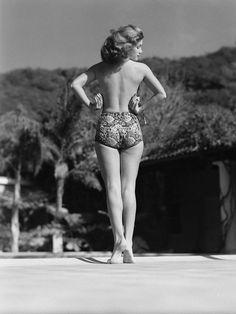 "Actress Linda Christian, the first ""Bond Girl,"" in 1945 vintage everyday: Classic Summer Fashion with Bikini Merle Oberon, Shirley Jones, Veronica Lake, Casino Royale, Skyfall, Pin Up, Judy Garland, Photos Du, Girl Photos"