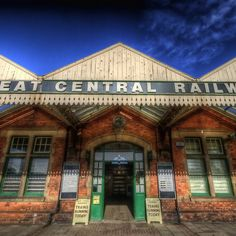 Great Central Railway - Loughborough Station, steam trains on double track running every weekend, fantastic Home Structure, Disused Stations, Old Trains, Sense Of Place, Train Tracks, Leicester, Old Photos, Britain, England