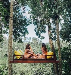 couple having fun in ubud forest in bali Tara Milk Tea, Have Fun, Have A Good Weekend, Bali Holidays, Hanging Beds, Wanderlust, Tropical Vibes, Adventure Is Out There, Adventure Awaits