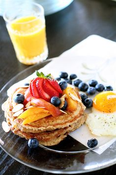 2x Now that's a breakfast I would love: Whole Grain Pancakes with Fruit, Egg, & OJ | The Curvy Carrot