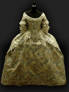 Hochzeitskleid um 1770
