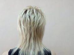 Medium Shag Haircuts, Choppy Haircuts, Layered Haircuts With Bangs, Short Shag Hairstyles, Mom Hairstyles, Shaggy Short Hair, Messy Short Hair, Lisa Rinna Haircut, Medium Hair Styles