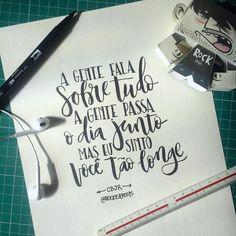 """""""Hoje sou eu que não mais te quero"""" sugestão de frase do amigo @esio_santos valeu  #charliebrownjr #cbjr #musica #music #frases #caligrafia #freehand #typespire #goodtype #type #thedailytype #handlettering #lettering #typography #calligraphy #calligraphymasters #typeveryday #handmadefont  #design #handmade #art #customtype #handtype #inspiration #typism #graphicdesign #typostrate #followme #brushpen follow @rockerposts"""