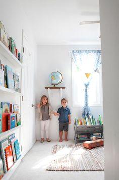 b3fb8ef62a9f3 Great book wall for #boysroom Living With Kids: Elle Rowley Knižnice,  Detská Izba