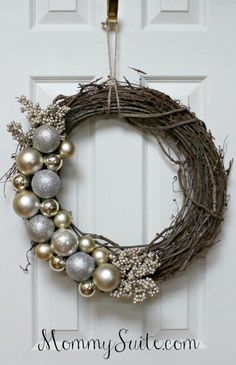 DIY Grapevine Ornament Wreath. This gorgeous wreath is great for the holidays (and beyond)! Can be customized to match any color scheme!