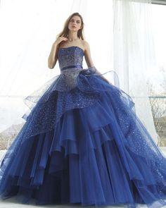 #couturefashion #couturedress #glitter  #fashion #bridalgown #ballgown #dress  #カラードレス #カクテルドレス #プレ花嫁  #ブライダル#2018冬婚 #marryxoxo #花嫁 #ファッション#ドレス#キラキラ #kiyokohata #キヨコハタ KH_0409