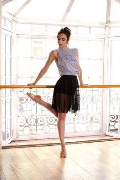 Ninette es una marca dirigida a todas aquellas mujeres que bailan, meditan, caminan la vida... Con indumentaria cómoda y a la moda con las últimas tendencias. Ballet Skirt, Skirts, Fashion, Latest Trends, Dancing, Life, Women, Moda, Skirt