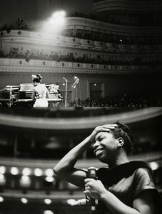 ♥ nina simone. This would be cool piece of art for my black and white room
