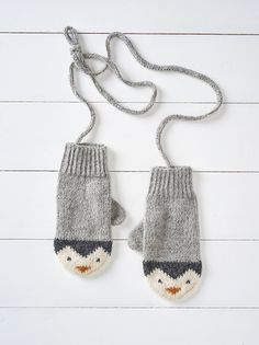 Ravelry: Penguin Mittens by Button and Blue . Ravelry: Penguin Mittens by Button and Blue Record of Knitting Ya. Knitting For Kids, Knitting For Beginners, Loom Knitting, Knitting Stitches, Knitting Patterns Free, Free Knitting, Knitting Projects, Baby Knitting, Crochet Patterns