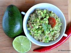 Guacamole reteta clasica mexicana de sos de avocado Guacamole, Starters, Avocado, Vegetarian Recipes, Goodies, Food And Drink, Snacks, Ethnic Recipes, Kitchen