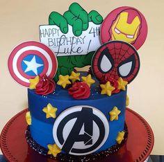 Harry Birthday, Superhero Birthday Party, Pastel Avengers, Captain America Birthday Cake, Avengers Party Decorations, Ironman Cake, Avengers Birthday Cakes, Marvel Cake, Avenger Cake