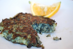 paua fritters - the taste of a good kiwi summer! New Zealand Food And Drink, Lemon Fish, Seafood Recipes, Cooking Recipes, Island Food, World Recipes, Recipe For 4, Fritters, Food Truck