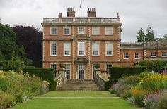 newby-hall-from-the-double-border (640×423)