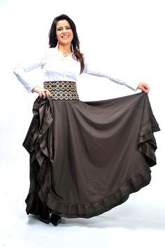 A cantora e apresentadora Shana Müller tem um estilo único de vertir-se, agregando referências do gauchismo