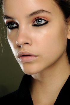 Dark eyeliner on bottom line only, love it. Would be really pretty with different colors, like blue or green or gold!