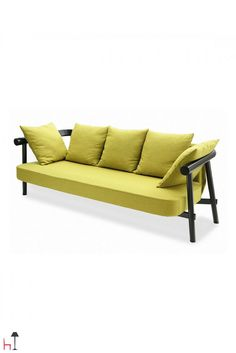 Altay is a 3-seater sofa by Coedition will suit any kind of space thanks to its essential yet sophisticated look.