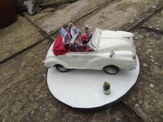 Well, this vintage Morris Minor car cake really was a fun cake to do for our special friends. Pete and Ann are the other half our MG touring party and this cake served the purpose of celebrating his birthday as well as the acquisition of his new. Truck Cakes, Car Cakes, Beautiful Cakes, Amazing Cakes, Morris Minor, Cake Servings, Love Cake, Yummy Cakes, Cake Toppers