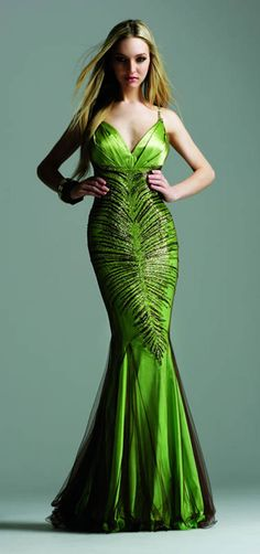 green prom dress--don't know about prom, but it's gorgeous Green Corset, Green Gown, Green Satin, Prom Dress 2013, Dresses 2013, Vestidos Zara, Dress Rental, Mode Shop, Different Dresses