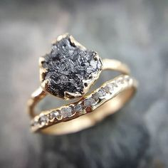 Raw rough conflict free black and white diamonds Pretty Rings, Beautiful Rings, Bridal Rings, Wedding Rings, Gold Diamond Wedding Band, Uncut Diamond Ring, Raw Diamond Rings, Rough Diamond, Engagement Ring Settings