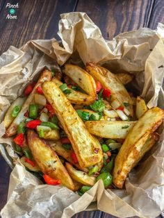 Salt and Pepper Chips - Pinch Of Nom Slimming Recipes Salt And Chilli Chips, Salt And Chilli Chicken, Lemon Chicken, Slimming World Dinners, Slimming World Recipes Syn Free, Slimming Eats, Healthy Salt, Healthy Food, Actifry Recipes