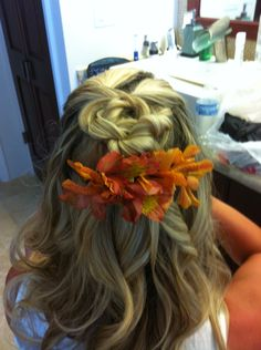 Wedding hair- tropical knot half updo