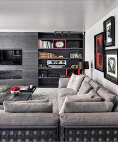 Ecran TV plat incrusté dans un mur