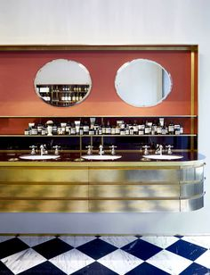 Aesop Saint Sulpice Store | Dimore Studio Old School Restaurant, Cafe Restaurant, Restaurant Design, Retail Store Design, Retail Shop, Aesop Store, Cafe Concept, Perfume Display, Boutique Decor