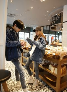 Koreanische Paarmode - Best of Streetwear Couples - Korea Images Korean Couple Fashion, Korean Fashion Ulzzang, Korean Ulzzang, Asian Fashion, Ulzzang Korea, Couple Outfits, Casual Outfits, Couple Avatar, Couple Ulzzang