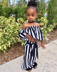 """3,074 mentions J'aime, 19 commentaires - Cheap Advertising HERE ! (@perfectkidz) sur Instagram : """"Her outfits are too cute give her a Follow @melenciaalford"""""""