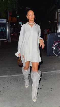 Night Club outfit ideas Inspired by Rihanna - Inspired Beauty Rihanna Outfits, Style Rihanna, Looks Rihanna, Mode Rihanna, Rihanna Fenty, Rihanna Fashion, Rihanna Clothes, Fashion Killa, Look Fashion