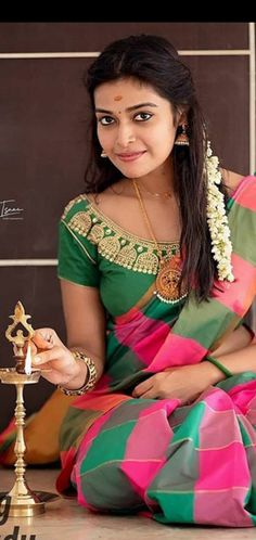 Beautiful Girl Indian, Beautiful Women, Punjabi Dress, Chiffon Saree, Tamil Actress, India Beauty, Girl Face, Desi, Boobs