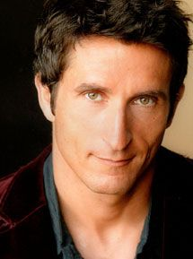 Jonathan Lapaglia. Sweet Italiano. First saw him on SciFi show Seven Days. I thought 'nice!'