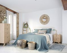 Master bedrooms, minimalistic bedrooms, luxury bedrooms and everything bedroom related for your bedroom interior. Blue Bedroom Decor, Room Ideas Bedroom, Home Bedroom, Living Room Decor, Bedroom Mirrors, Master Bedrooms, Minimalist Bedroom, Minimalist Home, Home Building Design