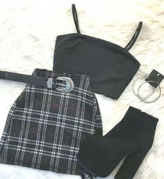 Teen Fashion Outfits - Everything About Fashion Girls Fashion Clothes, Teen Fashion Outfits, Edgy Outfits, Retro Outfits, Outfits For Teens, Teenage Girl Outfits, Really Cute Outfits, Cute Lazy Outfits, Cool Outfits