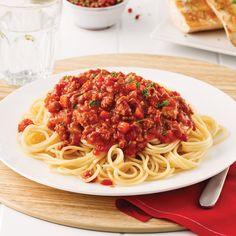 On gagne du temps avec l'Instant Pot! Sauce Spaghetti, Power Pressure Cooker, Nom Nom, Ethnic Recipes, Food, Nutrition, Discovery, Voici, Magazines