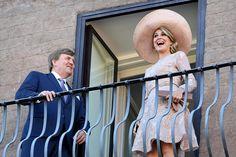 Willem-Alexander en Máxima op het balkon in Rome.