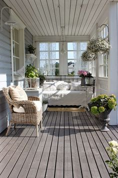 ❤ 27 Spectacular Front Porch Table Curb Appeal That Maximize Function Your Home Front Porch Table Curb Appeal Tips & Ideas Spaces Front Porch 4 Simple Curb-Appeal Ideas plants in our front yards look amazing next to colorful fur Outdoor Rooms, Outdoor Living, Outdoor Decor, Porch Table, Porch Bench, Veranda Design, Swedish Decor, Sleeping Porch, Patio Interior