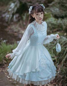 Harajuku Fashion, Kawaii Fashion, Cute Fashion, Style Lolita, Gothic Lolita Fashion, Mode Kawaii, Mom Dress, Estilo Retro, Fantasy Dress