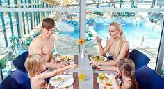 Отель Aquapalace Prague находится на территории аквапарка «Aquapalace» — крупнейшего крытого аквапарка в Центральной Европе, в 200 метрах от отеля находится дендрологический сад, а в 900 метрах — Пругоницкий замок. В отеле: 231 номер. В номерах: кондиционер, сейф, мини-бар, телефон, электроприборы для приготовления кофе и чая, LAN — подключение к Интернету, LCD телевизор с DVD-проигрывателем, ванная комната, фен, халат и тапочки...