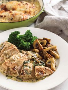 Looking for a new recipe idea with chicken? This Chicken Florentine dish was shared with us by Aaron Pritchett and it's amazing! Be sure to pre-order your copy of the cookbook for full recipe details at canada2017.org Chicken Florentine, Recipe Details, It's Amazing, New Recipes, Canada, Dishes, Flatware, Plates, Dish