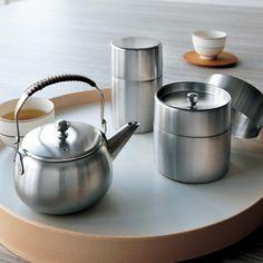 心をこめて手作り Kettle, Kitchen Appliances, House Styles, Diy Kitchen Appliances, Tea Pot, Home Appliances, Boiler, Kitchen Gadgets