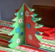 Looking for a kid-friendly Christmas craft? This Cardboard Christmas Tree craft is kid-friendly and it recycles the packing boxes from all you online shopping. Cardboard Christmas Tree, Preschool Christmas, Christmas 2014, Christmas Crafts For Kids, Christmas Trees, Xmas Crafts, Kid Crafts, Paper Crafts, Christmas Party Decorations Diy