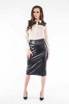 Beżowa koszula z koronkową wstawką ABK0010 www.fajne-sukienki.pl Leather Skirt, Poses, Skirts, Fashion, Women's Work Fashion, Women's, Feminine Fashion, Women, Figure Poses