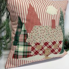 what backpack diaper bags to buy Cabin Christmas Decor, Plaid Christmas, Christmas Tree, Xmas, Christmas Cushions, Christmas Pillow Covers, Christmas Cover, Sewing Pillows, Diy Pillows