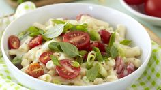 """Give your standard """"""""mac and cheese"""""""" a makeover by adding cherry tomatoes and spring onions. Macaroni Cheese, Mac And Cheese, Romantic Recipes, Cherry Tomatoes, Onions, Kids Meals, Potato Salad, Pasta, Snacks"""