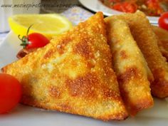 Brick with simple tuna Middle East Food, Eastern Cuisine, Ramadan Recipes, Appetisers, Savoury Dishes, Healthy Breakfast Recipes, Food Items, Finger Food, Love Food